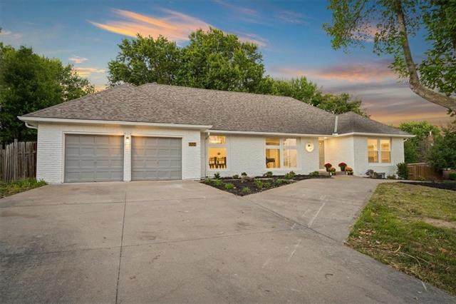 602 W Buena Vista Drive, Raymore, MO 64083 (#2345984) :: The Shannon Lyon Group - ReeceNichols