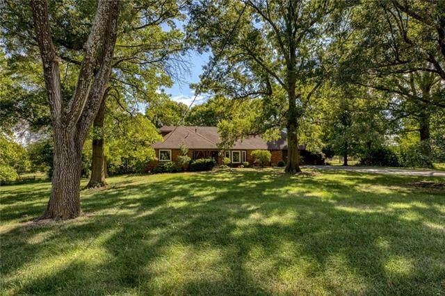 5920 W 194 Street, Stilwell, KS 66085 (#2346004) :: Eric Craig Real Estate Team