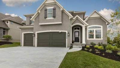 15319 W 171st Place, Olathe, KS 66062 (#2346010) :: Five-Star Homes