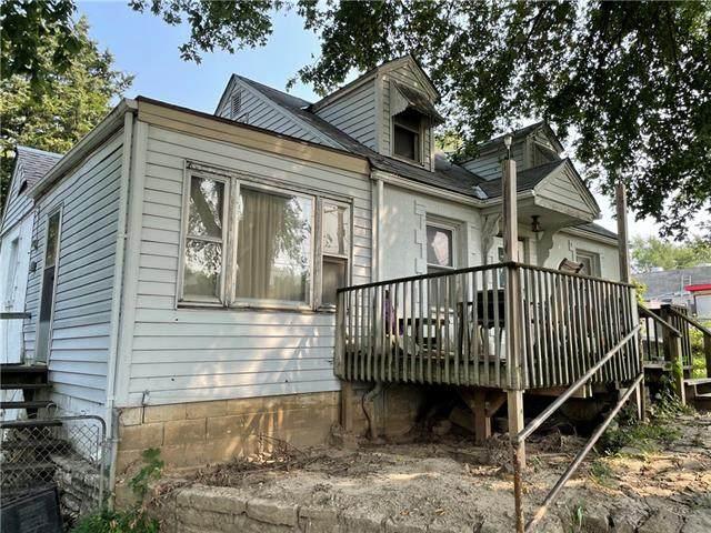 5524 Leavenworth Road, Kansas City, KS 66104 (#2346011) :: Dani Beyer Real Estate
