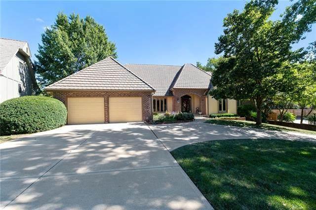 10347 Alhambra Street, Overland Park, KS 66207 (#2346026) :: Austin Home Team