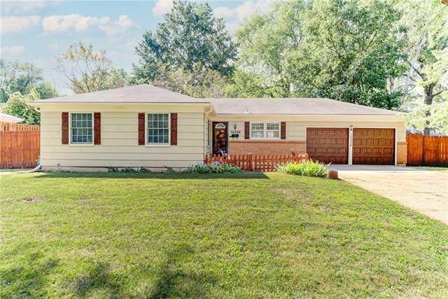 10336 Reeds Drive, Overland Park, KS 66207 (#2346042) :: Team Real Estate