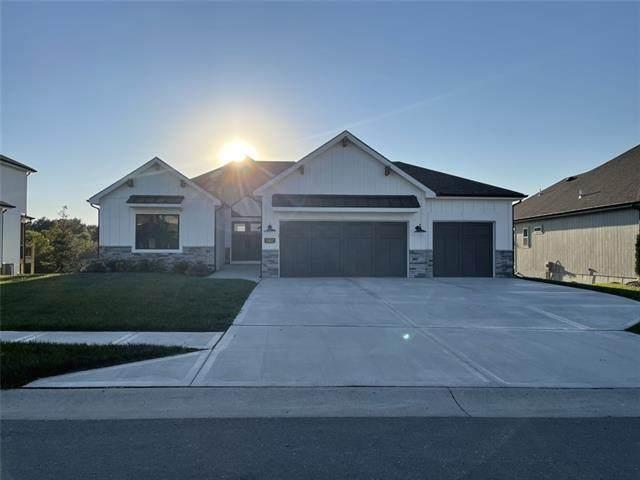 11402 N Michigan Avenue E, Kansas City, MO 64155 (#2346056) :: Ron Henderson & Associates