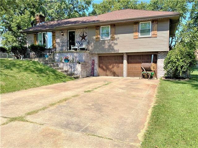 2002 Continental Avenue, Harrisonville, MO 64701 (#2346065) :: Dani Beyer Real Estate