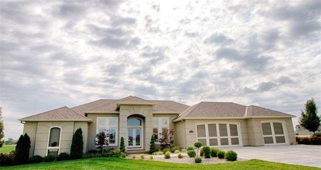 2551 NW Riverview Drive, Riverside, MO 64150 (#2346088) :: Team Real Estate