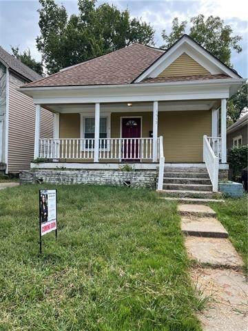 1615 Armstrong Avenue, Kansas City, KS 66102 (#2346157) :: Five-Star Homes