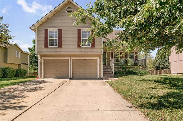 1811 Gunner Avenue, Greenwood, MO 64034 (#2346168) :: Dani Beyer Real Estate