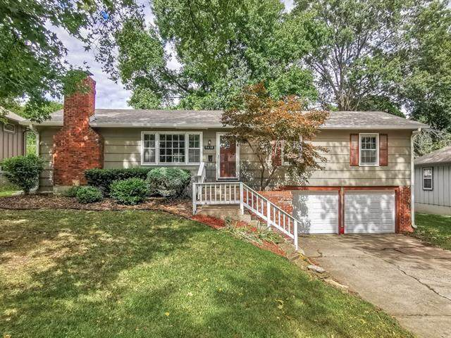 9418 Connell Drive, Overland Park, KS 66212 (#2346169) :: SEEK Real Estate
