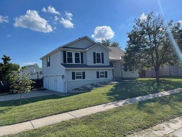 11903 E 213Th Court, Peculiar, MO 64078 (#2346172) :: Tradition Home Group | Compass Realty Group