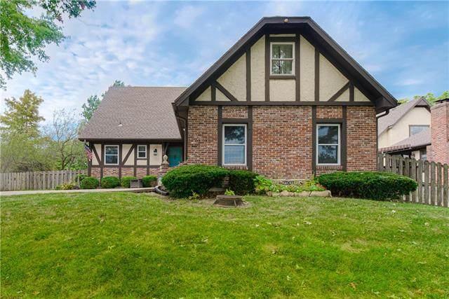 9304 Foster Street, Overland Park, KS 66212 (#2346206) :: Eric Craig Real Estate Team