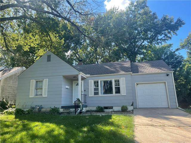 5420 Harris Avenue, Raytown, MO 64133 (#2346216) :: Dani Beyer Real Estate