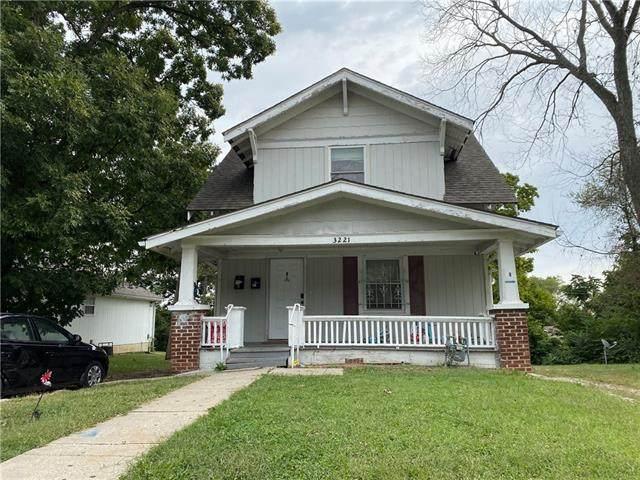 3221 Spruce Avenue, Kansas City, MO 64128 (#2346224) :: The Shannon Lyon Group - ReeceNichols