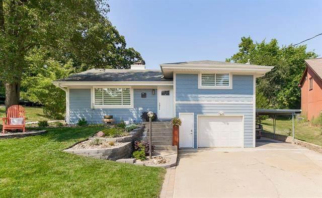 868 NW South Shore Drive, Lake Waukomis, MO 64151 (#2346277) :: Five-Star Homes