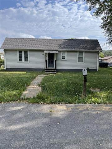 6645 Washington Street, St Joseph, MO 64504 (#2346280) :: Austin Home Team