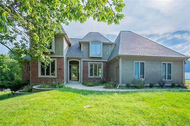12221 Nieman Road, Overland Park, KS 66213 (#2346324) :: Eric Craig Real Estate Team