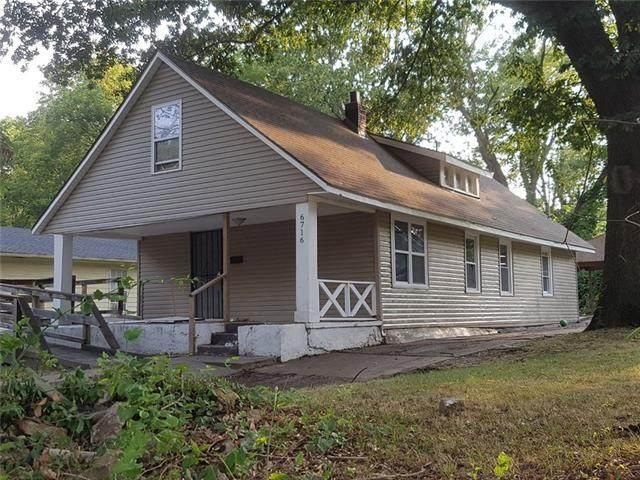 6716 Walrond Avenue, Kansas City, MO 64132 (#2346451) :: Austin Home Team