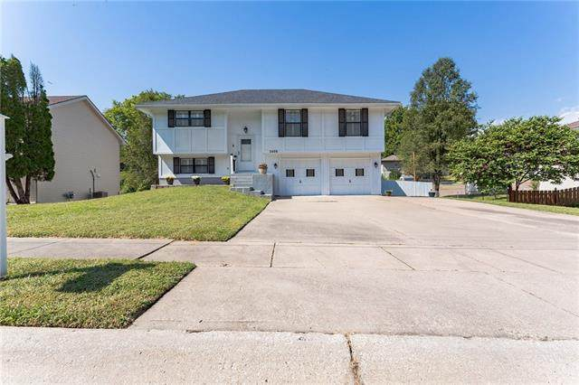 2408 S 16th Street, Leavenworth, KS 66048 (#2346478) :: Tradition Home Group   Compass Realty Group