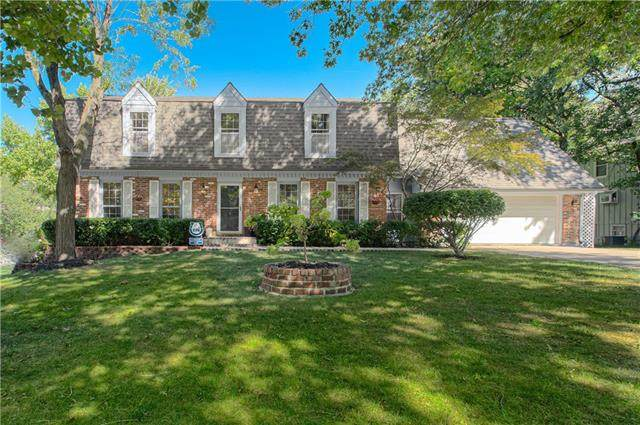 2804 W 120th Terrace, Leawood, KS 66209 (#2346481) :: Tradition Home Group | Compass Realty Group