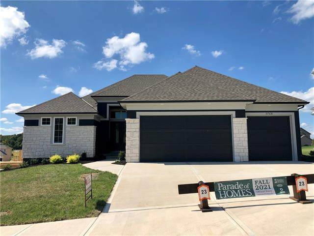 5768 Russet Road, Parkville, MO 64152 (#2346512) :: The Rucker Group