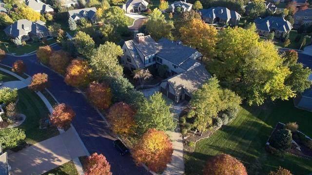 5805 W 131st Terrace, Overland Park, KS 66209 (#2346568) :: The Shannon Lyon Group - ReeceNichols