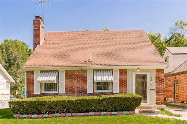 5707 Lydia Avenue, Kansas City, MO 64110 (#2346574) :: Tradition Home Group | Compass Realty Group