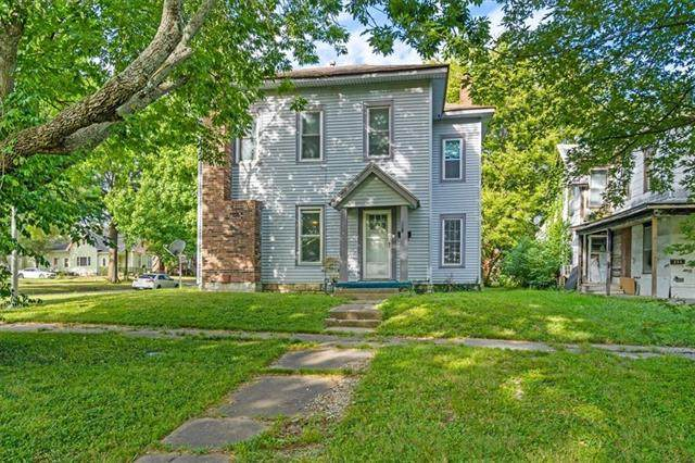 234 S Locust Street, Ottawa, KS 66067 (#2346589) :: Tradition Home Group   Compass Realty Group