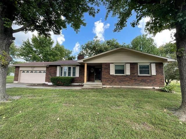 1701 S Main Street, El Dorado Springs, MO 64744 (#2346613) :: Tradition Home Group | Compass Realty Group