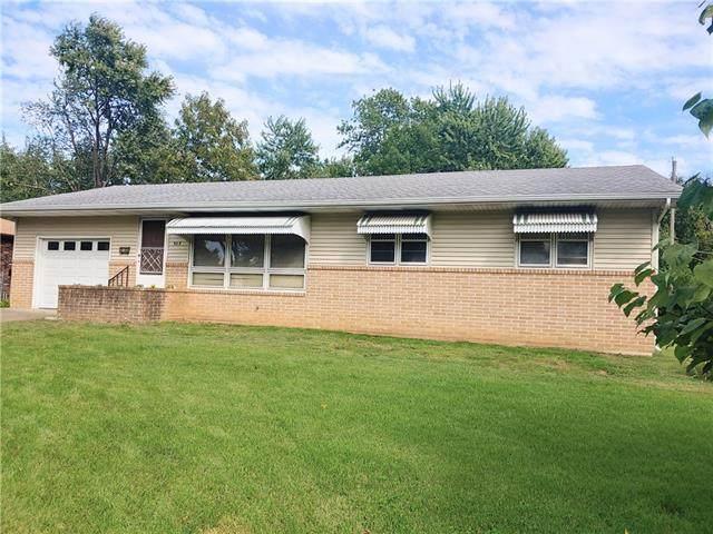 303 Belisle Street, El Dorado Springs, MO 64744 (#2346695) :: Tradition Home Group | Compass Realty Group