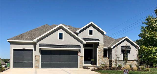 10300 W 153RD Street, Overland Park, KS 66221 (#2346746) :: Tradition Home Group | Compass Realty Group