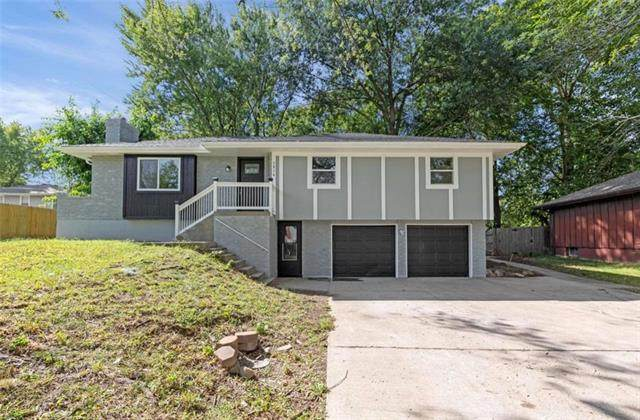 1814 N Dover Street, Independence, MO 64058 (#2346828) :: The Rucker Group