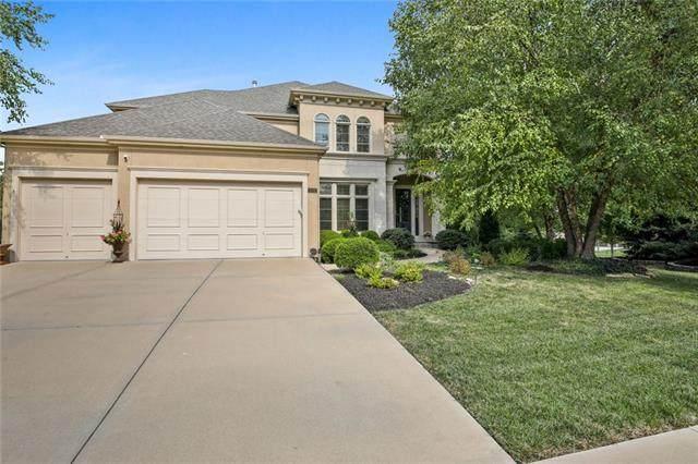 9302 W 155th Terrace, Overland Park, KS 66221 (#2346837) :: Audra Heller and Associates