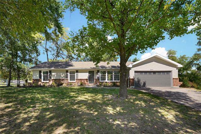 12044 NW Crooked Road, County/Other, MO 64152 (#2346844) :: ReeceNichols Realtors