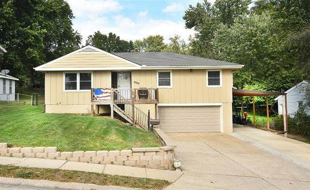16600 E 32nd Street S, Independence, MO 64055 (#2346855) :: Eric Craig Real Estate Team