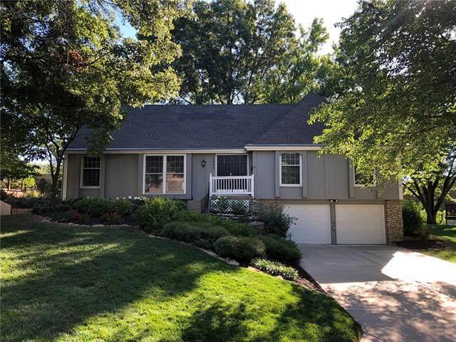 9993 Melrose Drive, Overland Park, KS 66214 (#2346858) :: Dani Beyer Real Estate