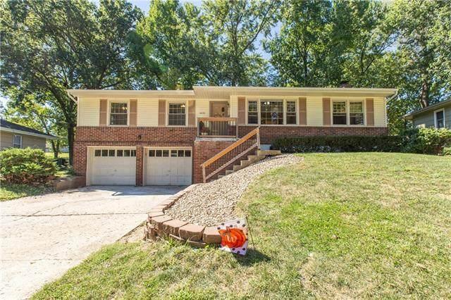 4630 NE Gladstone Avenue, Kansas City, MO 64117 (#2346863) :: Dani Beyer Real Estate