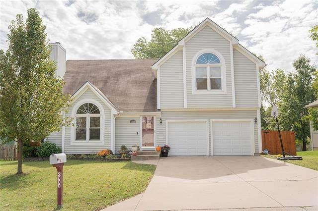 2000 NE Wyndham Place, Blue Springs, MO 64029 (#2346890) :: Eric Craig Real Estate Team