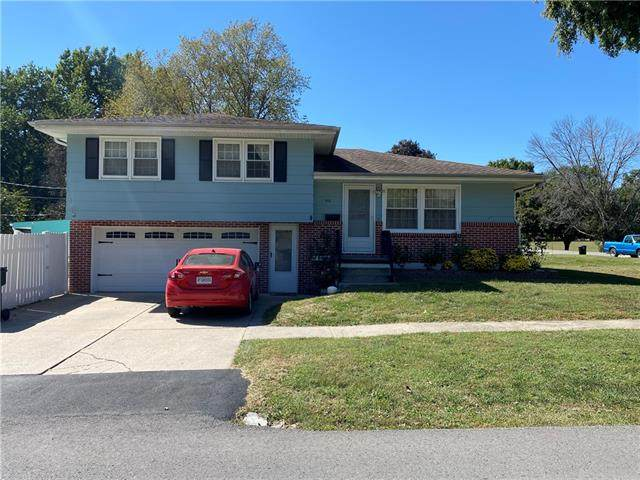 516 N 27th Street, St Joseph, MO 64501 (#2346892) :: Tradition Home Group | Compass Realty Group
