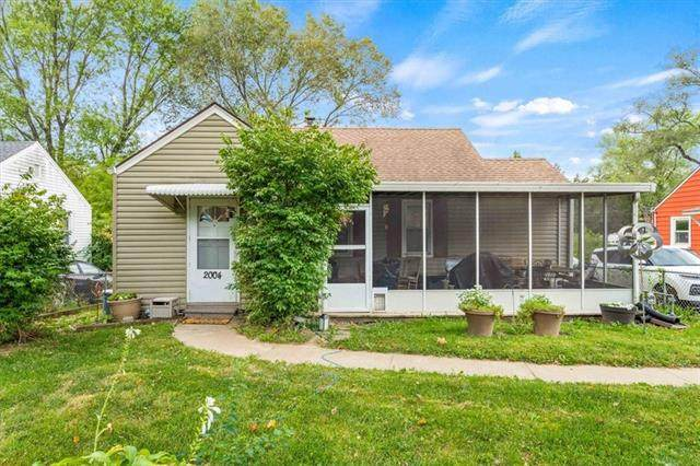 2004 Ralston Avenue, Independence, MO 64052 (#2346908) :: Audra Heller and Associates