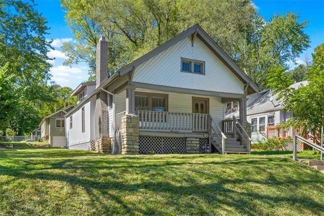 6628 Lydia Avenue, Kansas City, MO 64131 (MLS #2346917) :: Stone & Story Real Estate Group