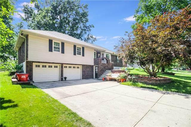 18011 E Dakota Drive, Independence, MO 64056 (#2346943) :: Ron Henderson & Associates