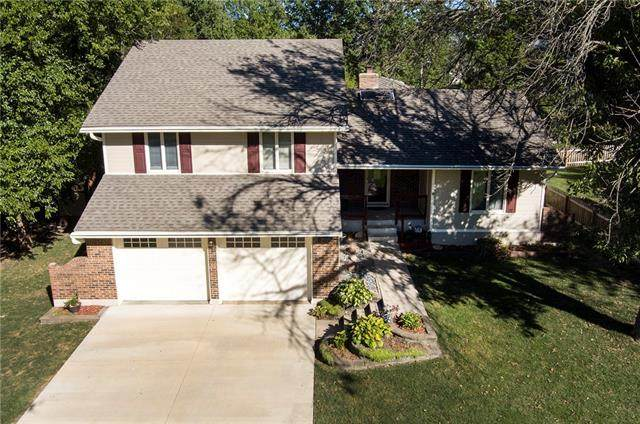 207 NE Bordner Drive, Lee's Summit, MO 64086 (#2346947) :: Tradition Home Group | Compass Realty Group
