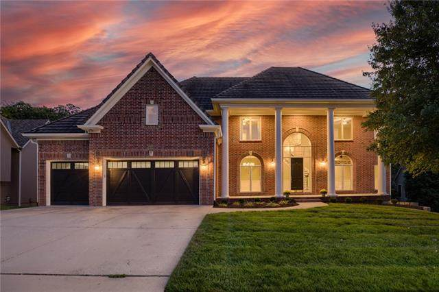 8133 Clearwater Point, Parkville, MO 64152 (#2346956) :: Audra Heller and Associates