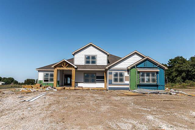 22526 155th Terrace, Basehor, KS 66007 (#2347004) :: Eric Craig Real Estate Team