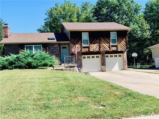 800 N 18th Street, Leavenworth, KS 66048 (#2347012) :: Tradition Home Group   Compass Realty Group