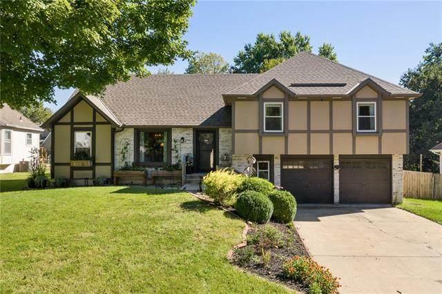 10351 Oakmont Street, Overland Park, KS 66215 (#2347032) :: Dani Beyer Real Estate