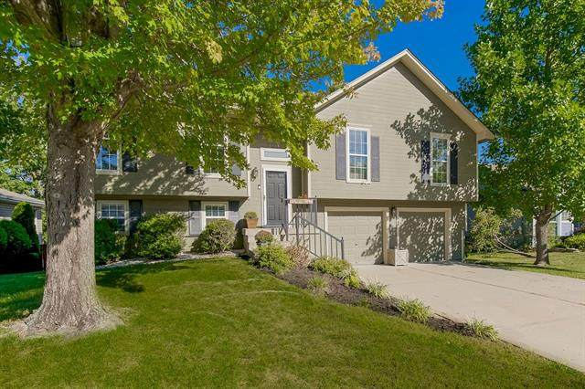 1141 NE Colleen Drive, Lee's Summit, MO 64086 (#2347108) :: Tradition Home Group | Compass Realty Group