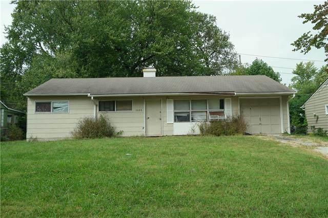 7600 E 112th Terrace, Kansas City, MO 64134 (#2347192) :: The Kedish Group at Keller Williams Realty