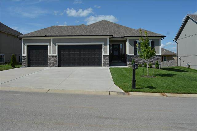 1302 NW Hickorywood Court, Grain Valley, MO 64029 (#2347206) :: Tradition Home Group | Compass Realty Group