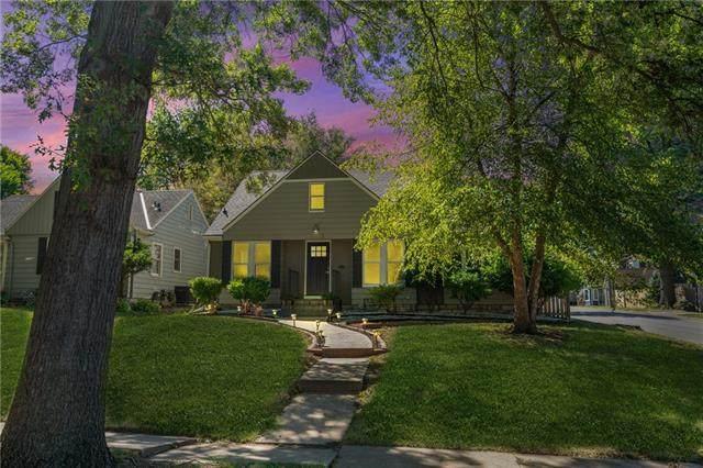 1015 W 77 Street, Kansas City, MO 64114 (#2347209) :: The Shannon Lyon Group - ReeceNichols