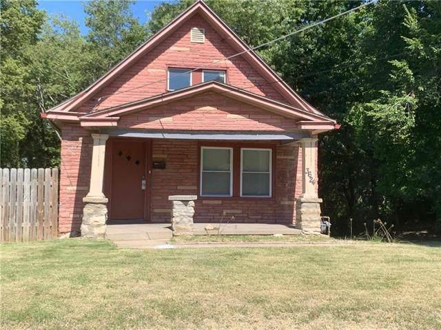 3624 E 57TH Street, Kansas City, MO 64130 (#2347210) :: Five-Star Homes
